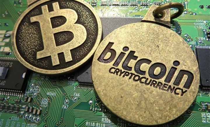 Bitcoin scatenato: vola a 6.600 dollari (MF)