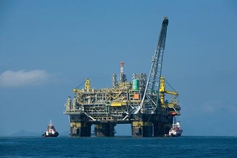 Prezzo petrolio sopra gli 80$: possibili cali di produzione