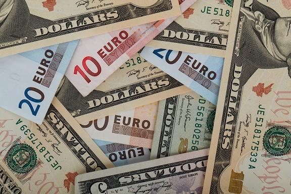 Cambio Euro/Dollaro in discesa: inversione di tendenza?